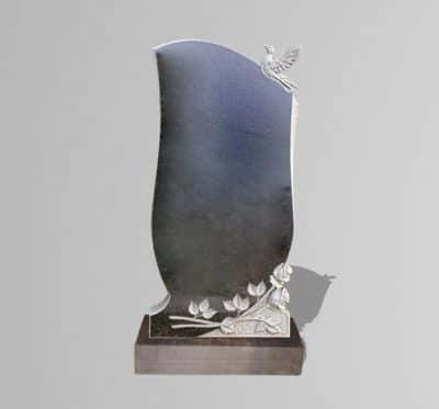 Памятник «Голубь и розы»